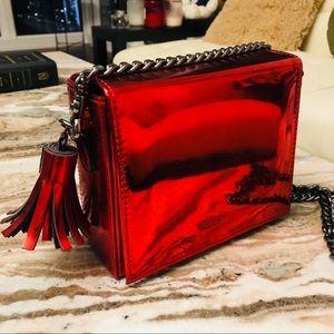 UNITA Korea red metallic square box bag with chain
